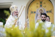 Satul românesc, păstrător al valorilor noastre spirituale, ne cheamă să-l ajutăm!
