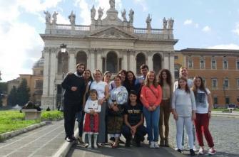 """Tinerii Nepsis de la Roma – Torre Spaccata în pelerinaj  la bisericile din """"Cetate"""""""
