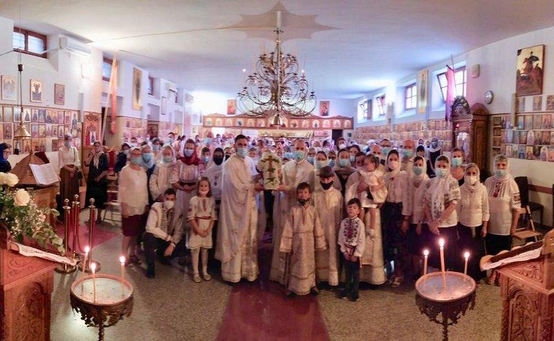 """Hramul Parohiei """"Înălțarea Sfintei Cruci"""" din Roma"""